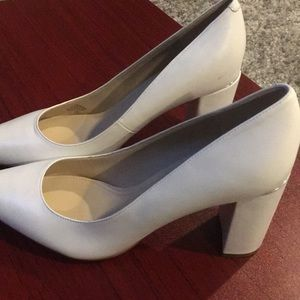 White heel shoes